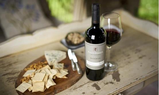 如何鉴别未喝完的葡萄酒是否变质